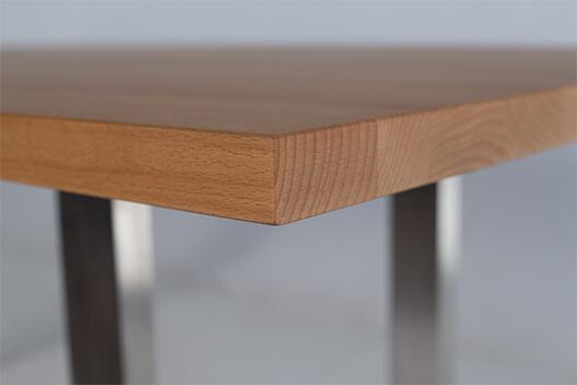 Wangentisch Jonne aus Massivholz und Stahl – Kantenprofil