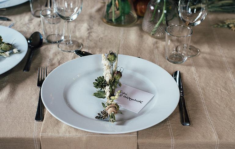 Ein Tischgedeck