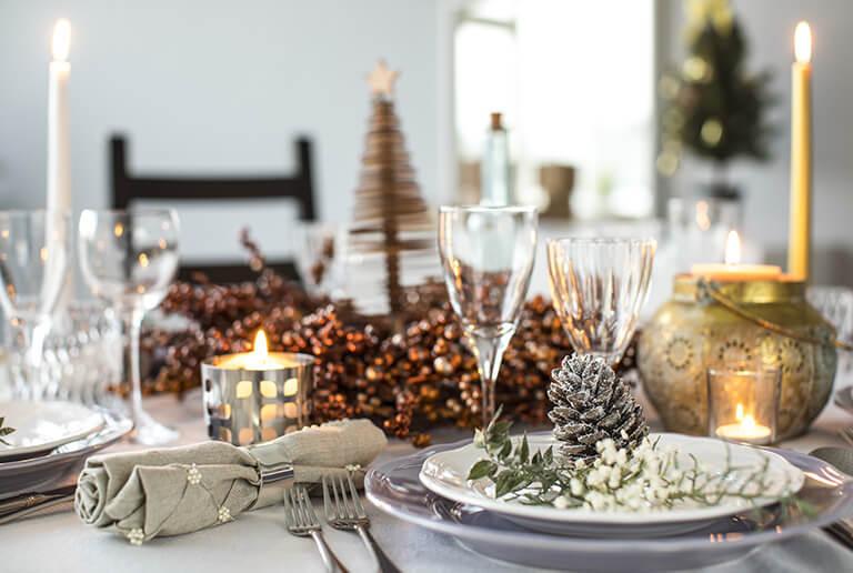 Tischdeko mit Goödelemente für Weihnachten