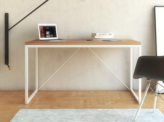 Esstisch in skandinavischem Stil mit Massivholzplatte und Metallgestell in Weiß