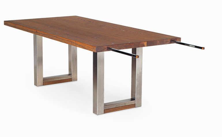 Esstisch mit Ansteckplatte mit ausgezogener Schiene