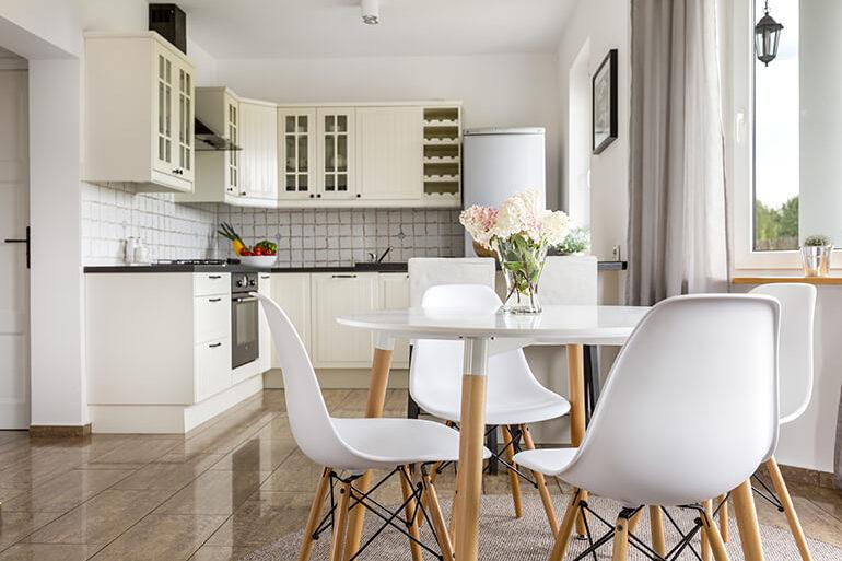 Essplatz in der Küche | Einrichtungsideen im COMNATA Magazin