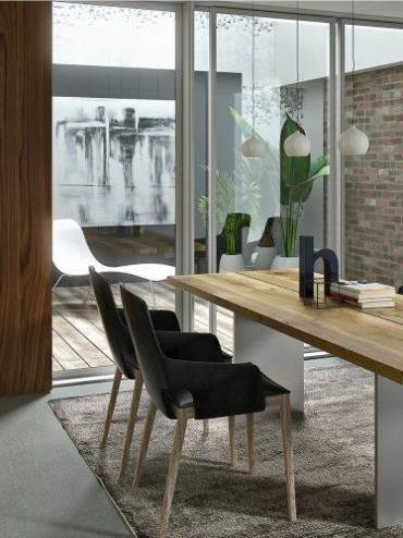 Esstisch und Schreibtisch in Einem - Homeoffice im Esszimmer | COMNATA informiert