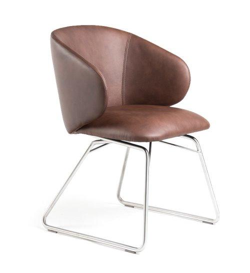 Trend 2021: Stühle mit Lederbezug | COMNATA Esstisch