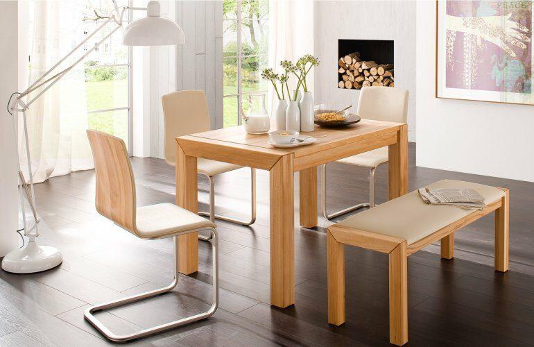 Esstisch aus hellem Buchenholz von COMNATA Esstisch
